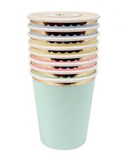 Underbart pastelliga glas med folierad guldkant